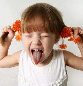 Капризы ребенка — что это такое, основные причины и советы как реагировать и основные отличия от истерик