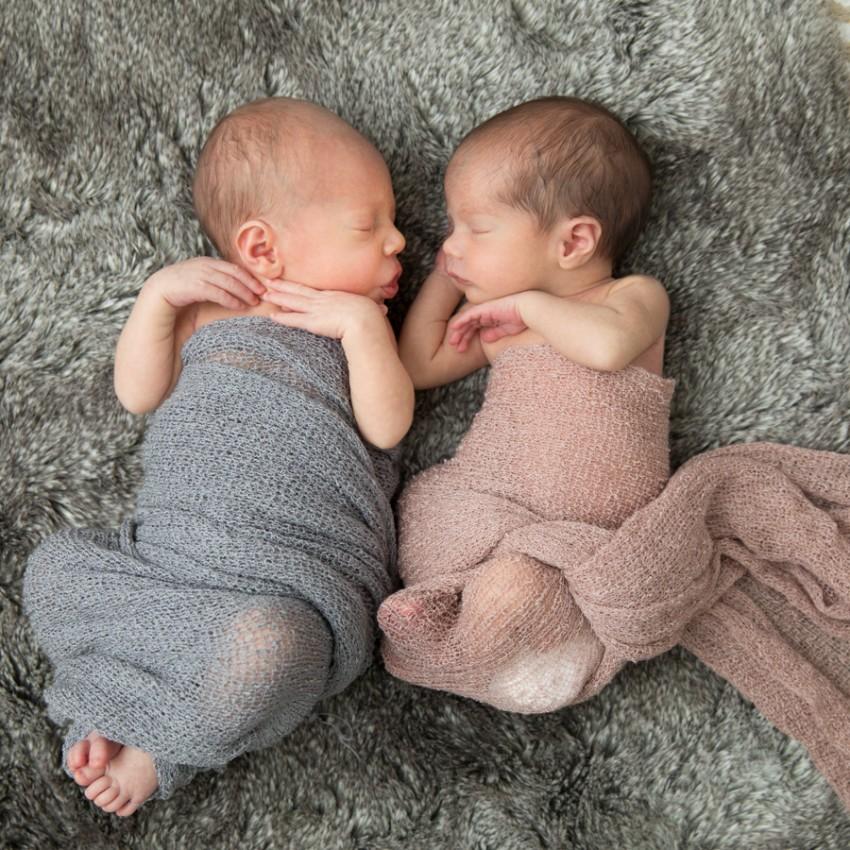 Картинка парням близнецам