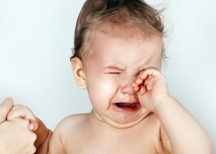 Какую температуру надо сбивать у ребенка до года, и нужно ли